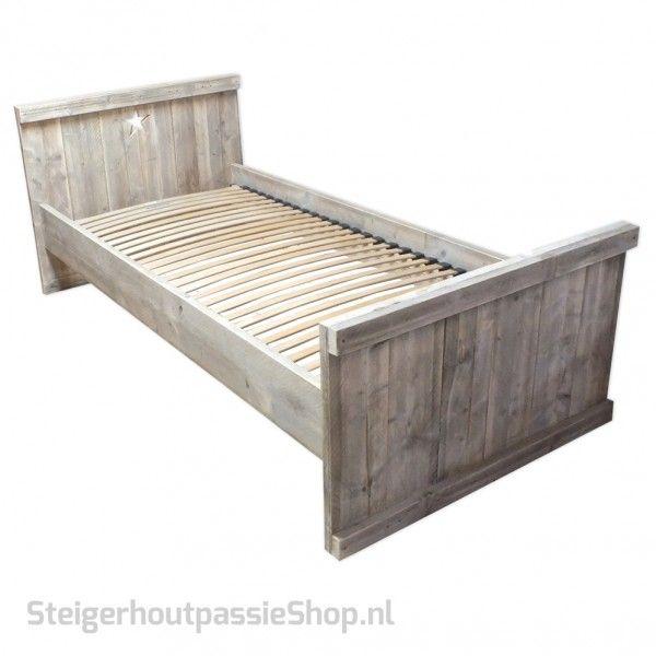 steigerhouten Bed Lotte met Ster