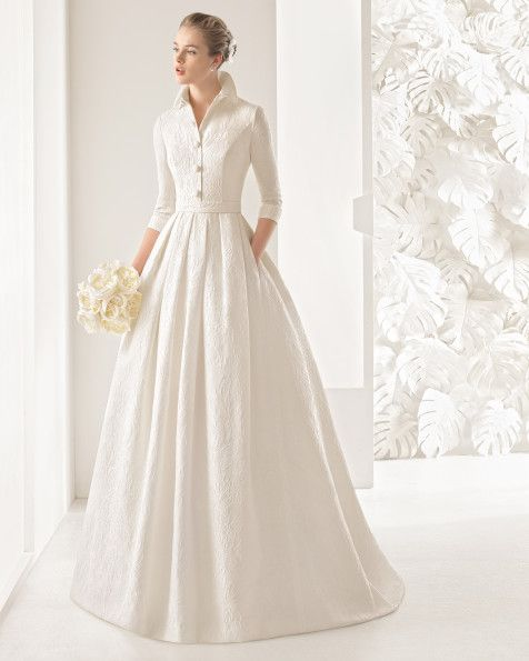 Rosa Clara is found at La Belle Elaine's Bridal and the Nordstrom Wedding Suite/Downtown Seattle. #seattlebride