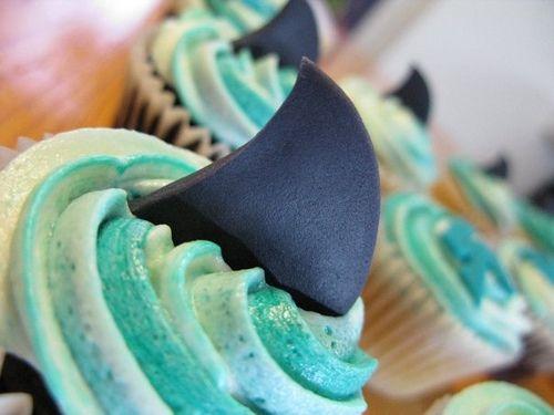 Google Afbeeldingen resultaat voor http://www.cupcakesenmuffins.nl/wp-content/uploads/2010/09/Cupcake-Fun-Haaibaai.jpg