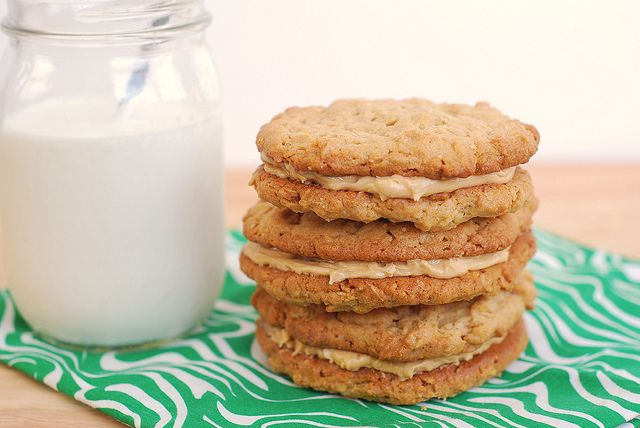 Peanut Butter Oatmeal Sandwich Cookies | Food Faves and Craves! | Pin ...