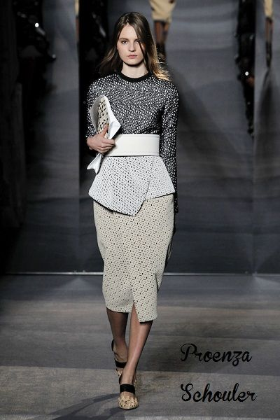 Μίντι φούστες: το comeback των 50's #runway #fashion #catwalk #midiskirt #style #womensstyle #womensfashion #womensoutfits #proenzaschouler