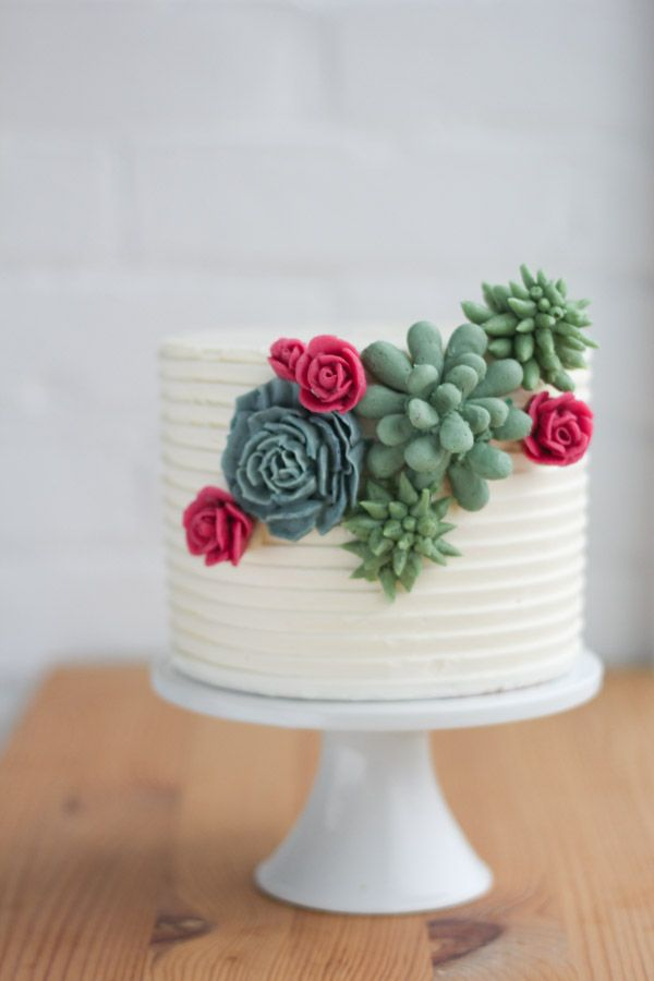 piped buttercream succulents and flowers