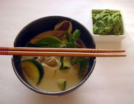 Cucina tailandese: curry verde di pollo