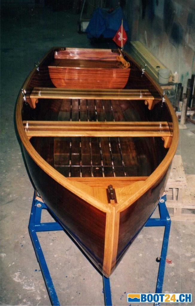 Werftbau Mahagoni Ruder-Motorboot sehr robust kaufen - Jahrgang: 1998, Länge: 4.62 m, Breite: 1.55 m - Informationen, Fotos & Kontaktangaben zum Occasionsboot. (ID: 238638)