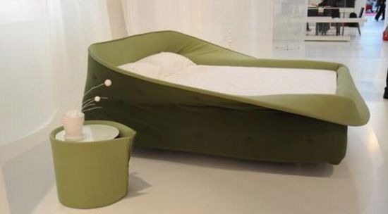 Colletto Bed by Nusa Jelenec
