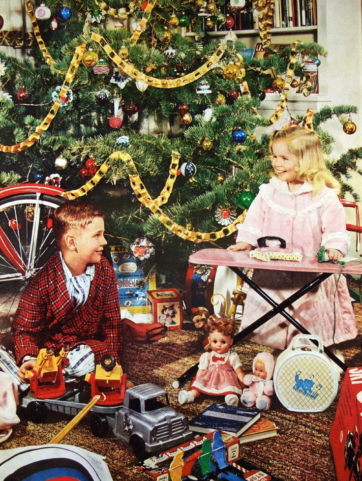 1959 Christmas morning ... We use to make paper chains just like these!