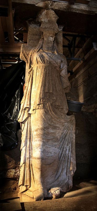 Excavated today, the Caryatids of Amphipolis in Greece are 2,27 meters tall and they stand on marble. 21.09,14