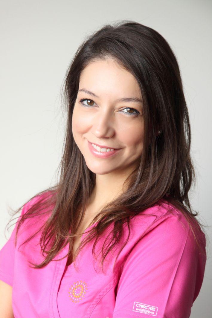Ρούλα | μαία, συντονίστρια προγραμμάτων εξωσωματικής Roula | ivf nurse http://gennima.com/el/gennima/people/nurses #gennima #ivf