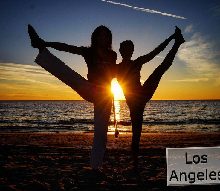 A #capoeirista and a yoga instructor during a sunset photo shoot in LA.  #yoga #capoeira #sunset #photoshoot #iLBB #losangeles #la #beach... Follow us on iG: http://ift.tt/1XfKZZa