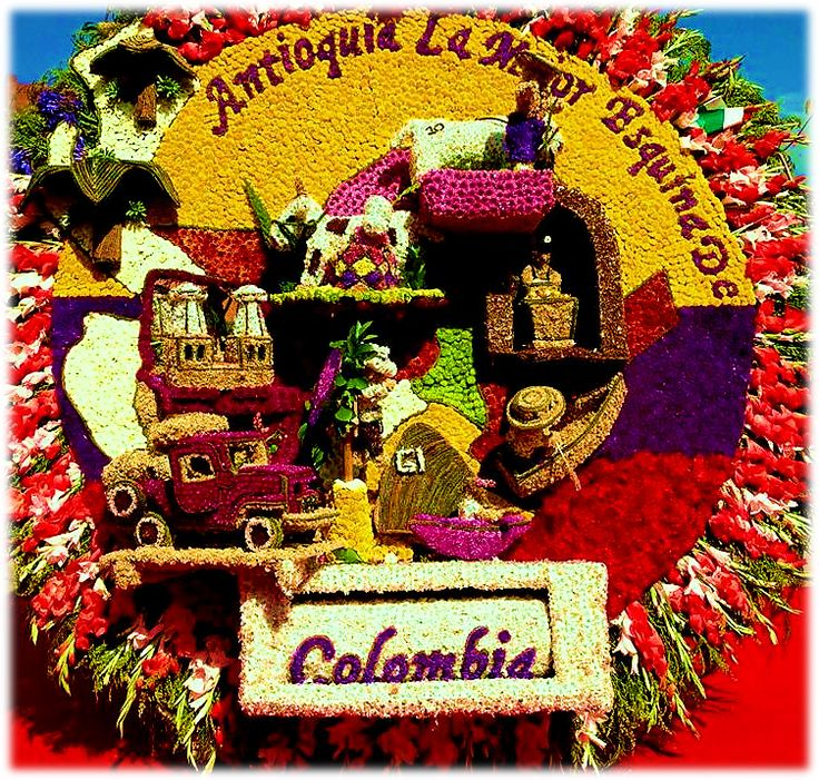 Silleteros en Feria de Las Flores - Medellin