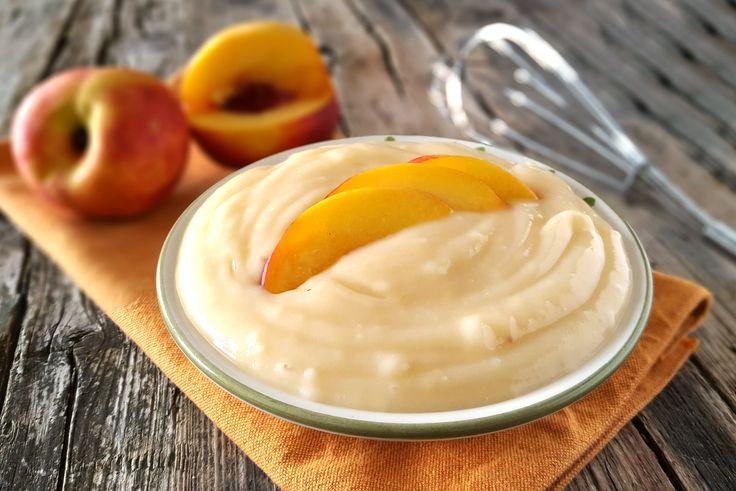 Un'ottima crema alla pesca senza uova ideale sia come dessert che come farcitura per torte e crostate alla frutta. Gustosa e delicata