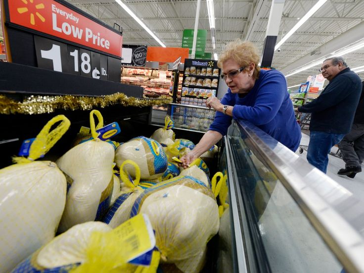 Walmart customers are furious after the retailer ran out of Black Friday sale items despite huge online investment (WMT AMZN)