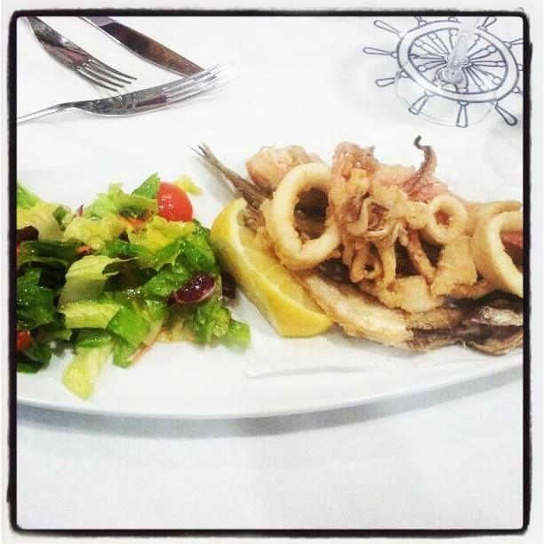 #Frittura di #pesce ed #insalata.  Una vera #delizia!