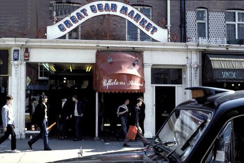 The Great Gear Market, Kings Road - the place to shop for punk fashion - loved this place in the early 80's!!!