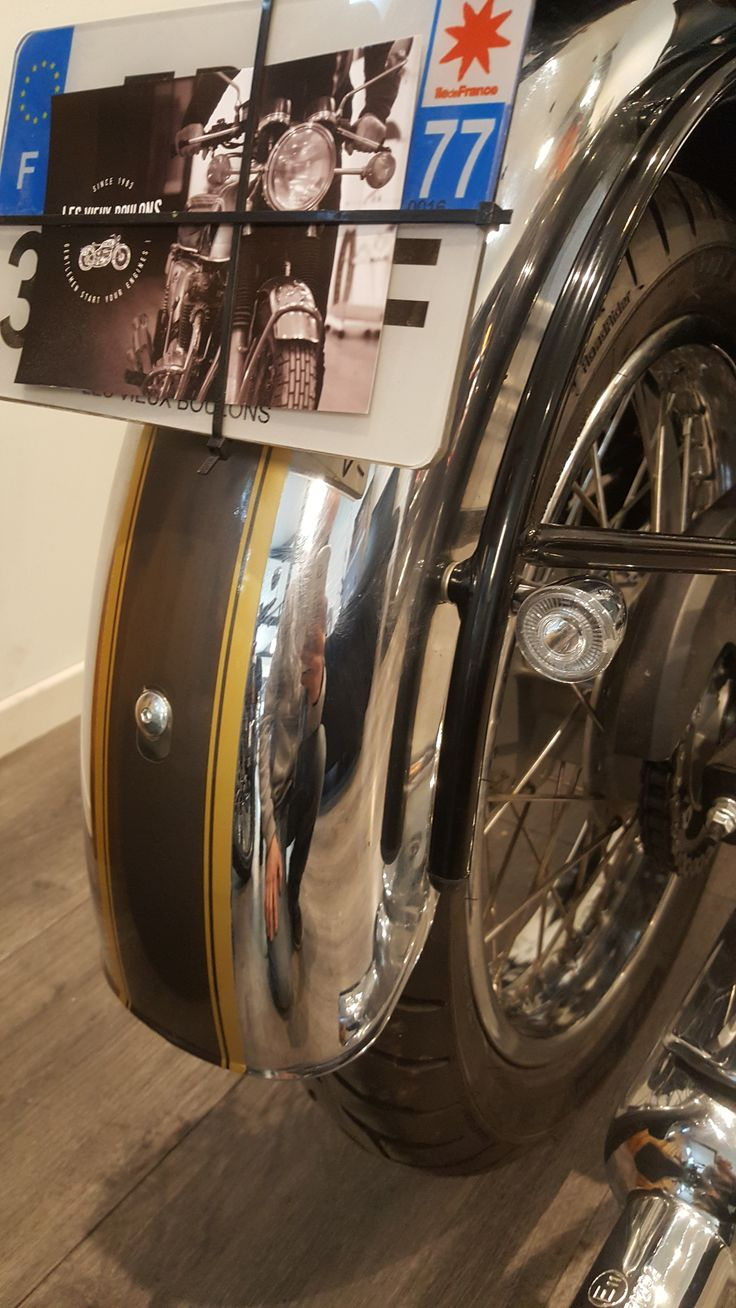 Royal Enfield Suppression feu arriere Clignotants rizoma Iride