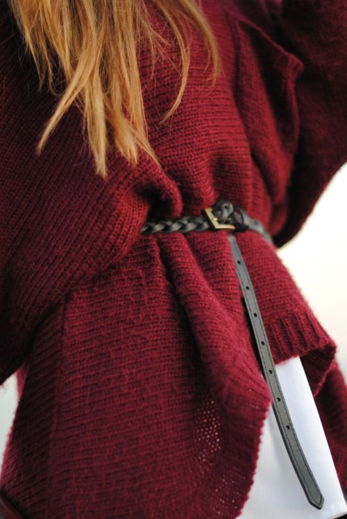 belted baggy jumper. nice! Fall outfits @MijoRecipes