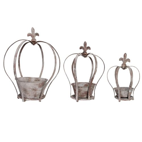 Transform your garden into a royal palace with this trio of crown-shaped planters. Supplied with sturdy chains, they look stunning as hanging baskets arranged singly or together.   http://www.english-heritageshop.org.uk/garden/garden-accessories/aged-metal-crown-planters-set-of-3