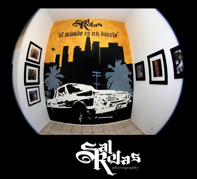 El Mundo Es Un Barrio Photography Exhibit by Sal Rojas