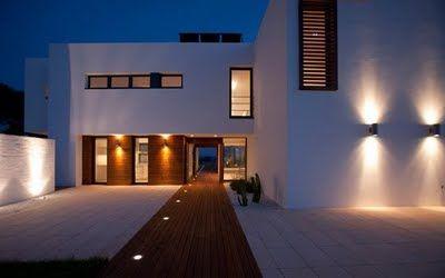 Iluminaci n de fachadas minimalistas casa playa - Iluminacion para casa ...