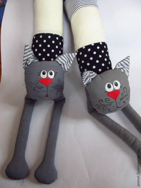 """Кот-валик """"Серое серебро"""" - коты,чёрно-белый,подушка-игрушка,подушка в автомобиль"""
