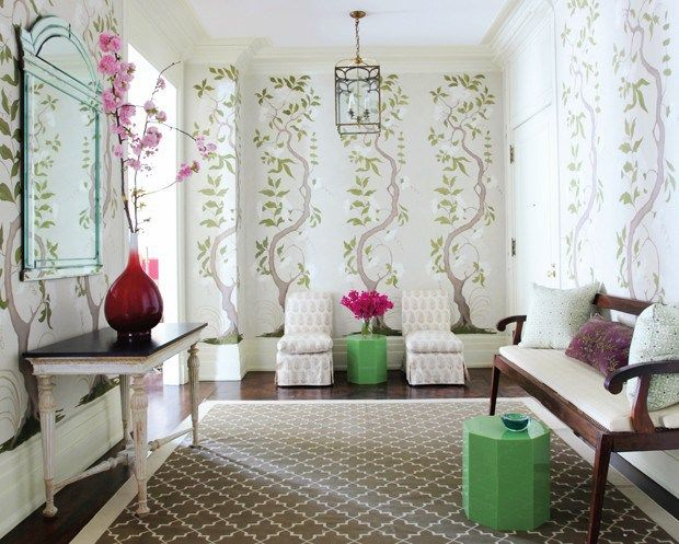 A Gorgeous NYC Entrance Hall With Chinoiserie Wallpaper By Timothy Whealon,  One Of The 21 Amazing Ideas