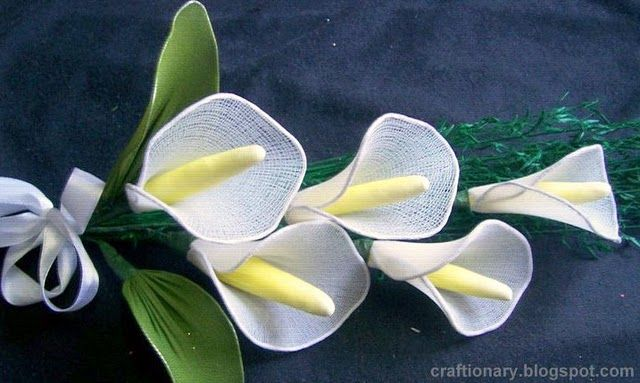 Learn to make nylon wedding lily | Craftionary: Diy Flowers, Stockings Flowers, Calla Lilies, Crafts Flowers, Nylons Flowers, Photo Tutorials, Lilies Ideas, Flowers Nylons Fabr, Make Nylons Lilies