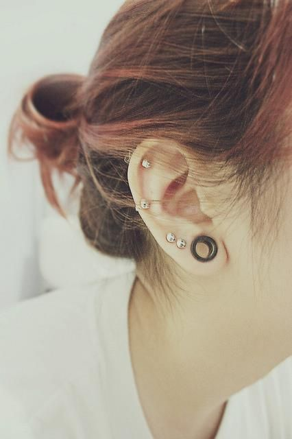 Simple mais tellement beau ! #tunnel #piercings #oreille #helix