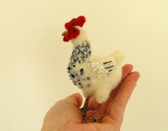 I love chickens! Have to make one :)