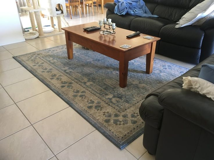 Lovely use of our Angelus 707 Blue Beige Traditional Designer Rug (pictured here in size 230 x 160cm) ! This gorgeous rug is available in 4 different rectangular sizes up to 400 x 300cm and is made from non shedding polypropylene, in a comfortable 9mm pile.