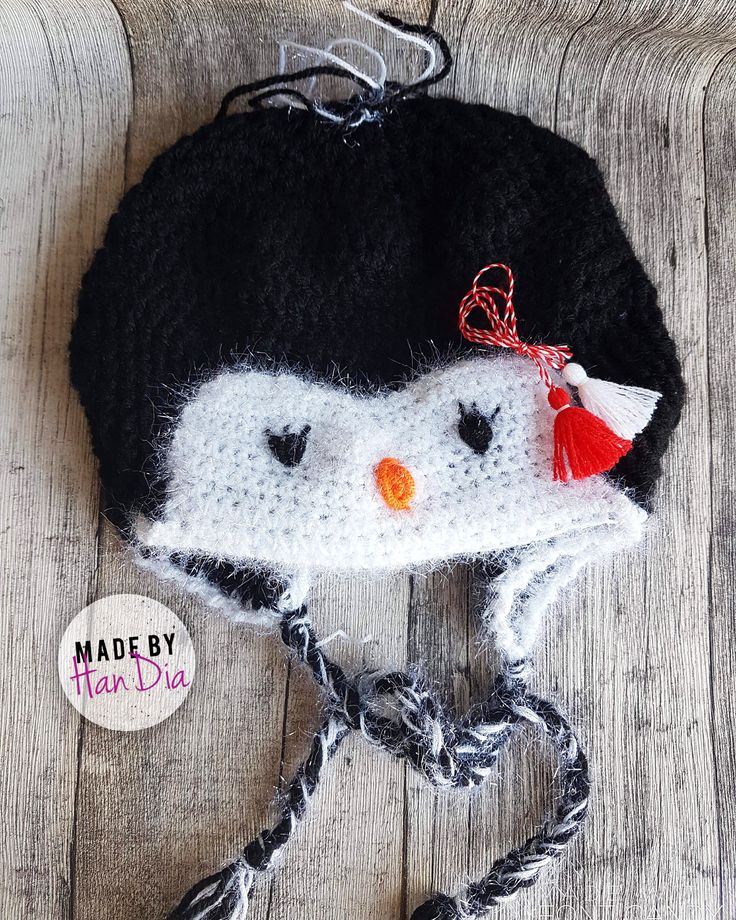 O căciuliță croșetată pentru un mic pinguin...unul uman ❄️❄️A small crocheted hat for a small penguin ... one human #littlepenguin #penguin #crocheted #crochetart #caciulita #handmadeisbetter #handiamade #handia #crochetersofinstagram #crocheted #crocheting #crosetatebucuresti #pinguin #martisor #chooseyours #choosehandmade #handmade #instagram_kids