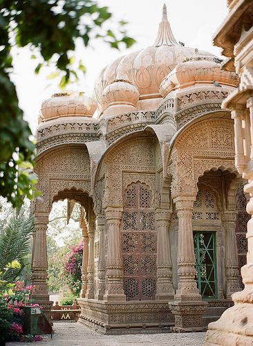 Rajasthan / India - gorgeous soft spires ... looks a tiny bit like an elephant with the side columns.