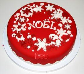 Christmas cake - La Forge à Gâteaux #ChristmasCake #Noël www.laforgeagateaux.com