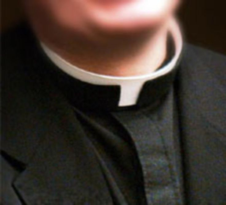 Estefanía Farias Martínez Desde niño, el clero, en todas sus manifestaciones, le perseguía y acosaba. A los nueve años no le permitieron resistirse más, y se vio abocado a confirmar su pertenencia ...