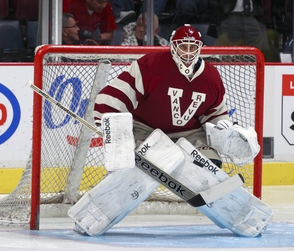 Luongo in the millionaires jersey