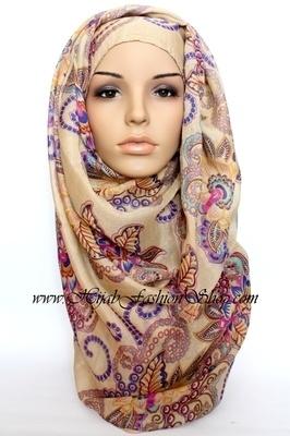 Light Hijab - Maxi - Henna - Beige. NEW December Hijab!