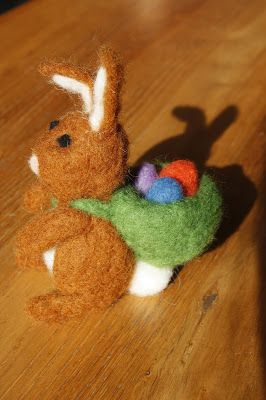 Osterhase, Filzwolle,Easter-bunny, felted wool,, felt,coniglietto di Pasqua,lana di feltro,lapin de Pâques,laine à feutrer, Ostern, Easter