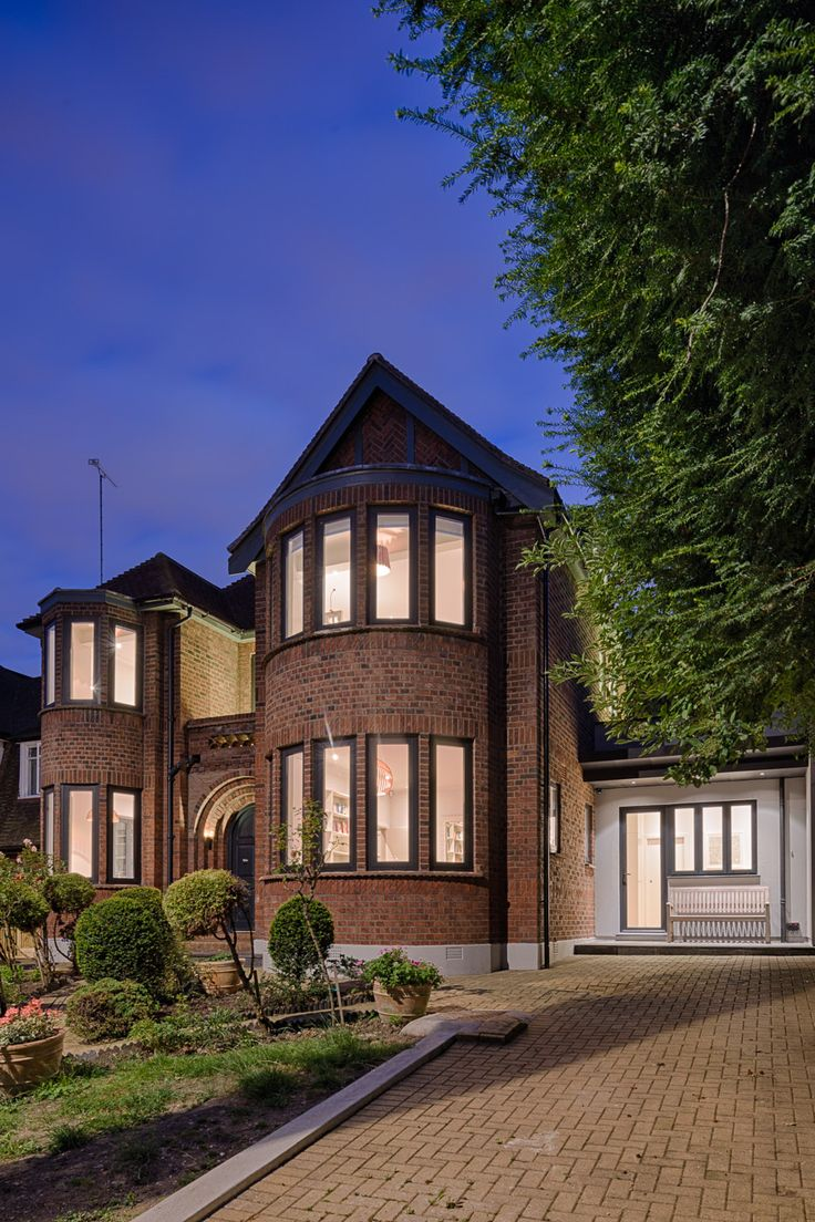 Today We Will Show You A Beautiful Extension To A House In London, A  Project By Jones Associates Architects. The Extension Adds A Contemporary  Look To A ...