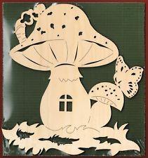Fensterbild Wandbild Pilzhaus natur Holz Dekoration