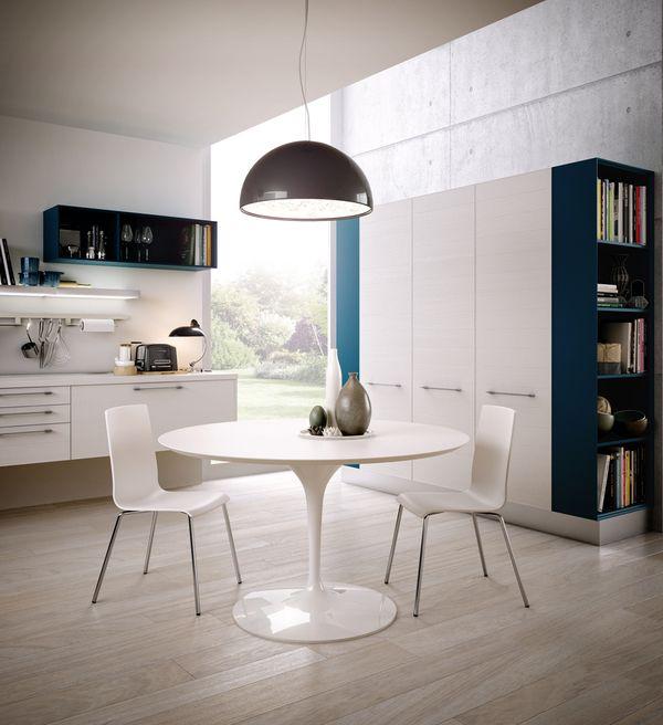 Modern Kitchen / Romy Tesei