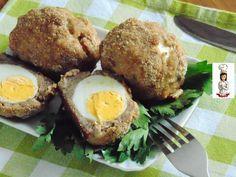 Uva alla scozzese cotte al forno sono un secondo di carne molto ricco e gustoso,delle grandi polpette che racchiudono delle uova sode. Ingredienti : -400 g