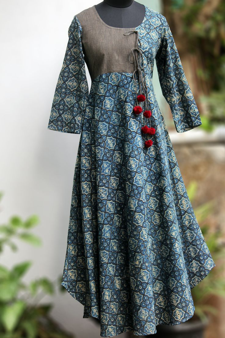 Maati Crafts Blue Cotton Printed Anghrakha Kurti