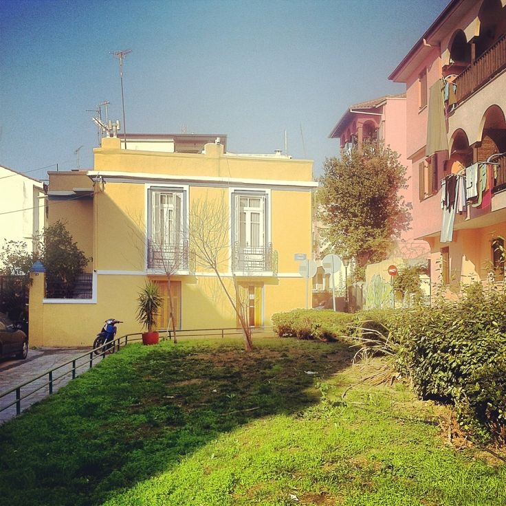 A beautiful corner in Ano Poli. (Walking Thessaloniki, Route 09 - Upper Town a)