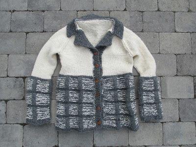 Strikket damejakke. Knittet jacket for women.