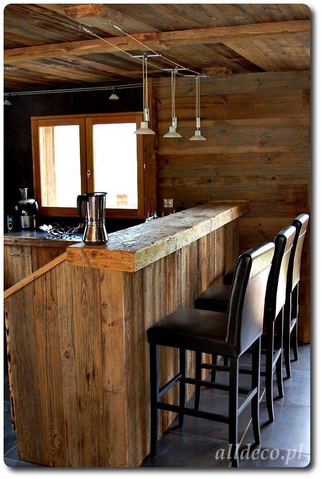 Aranżacja kuchni w starym drewnie/ Amenagement de la cuisine en vieux bois