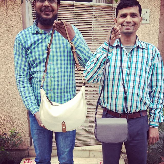 Faiyaz and Jahangir showing off their creations proudly for the beautiful @shilpswamy ❤  Yes, each of our bags are #SingleArtisanCreations made by just one maker from beginning to very end. With all their love.  We think this makes each creation EXTRA SPECIAL, don't you?  Much love Team #Chiaroscuro  #ChiaroscuroBags #LeatherLove #OneOfAKind #Handcrafted #Artisanal #WorkshopMade #MadeInIndia #PureLeather #Leather #LeatherBags #LeatherSlings #ShopOnline #SupportLocal #Fashion #Classic #Potd…