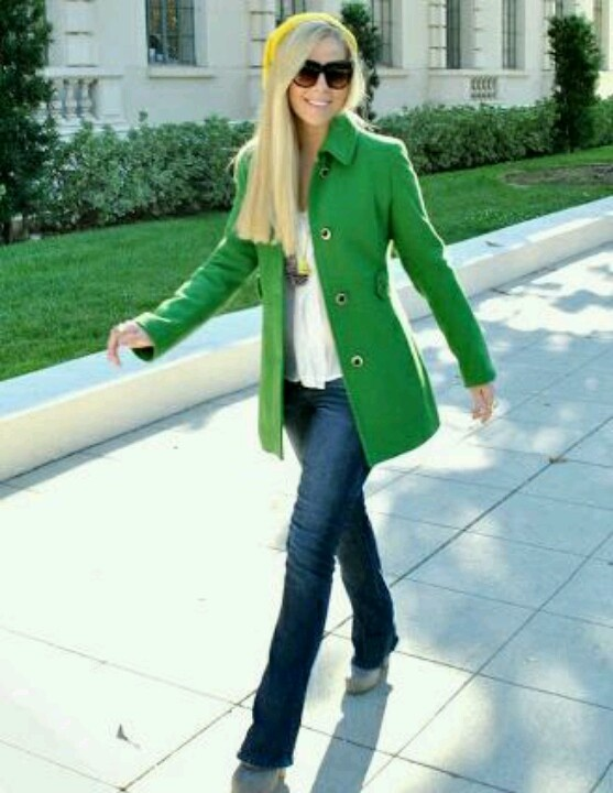 Kelly green coat worn casual with jeans..have a purse this color..so I need this coat