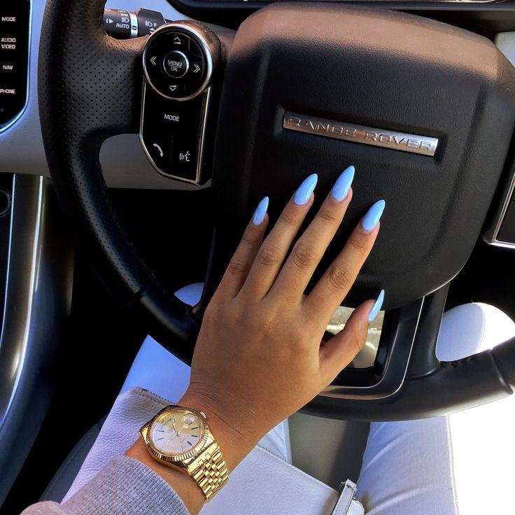 I looooove any shade of blue mani