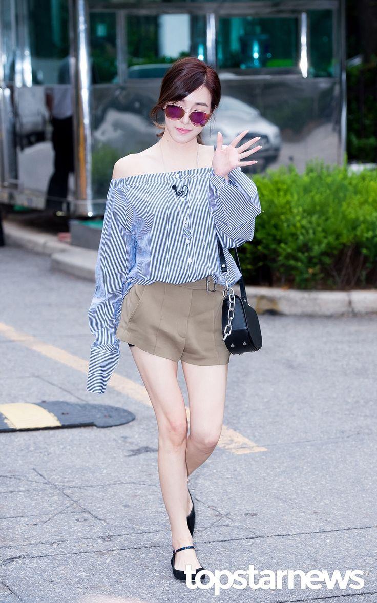 [HD포토] 소녀시대(SNSD) 티파니 보호본능 자극하는 여리여리함 #topstarnews