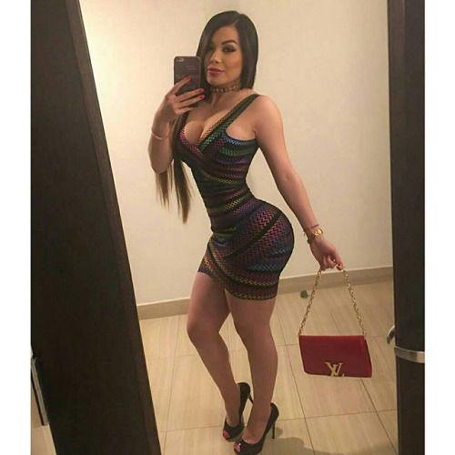 latina 18 Busty