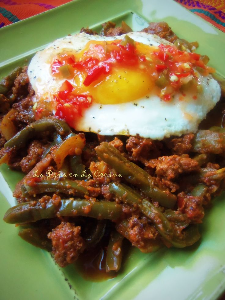 Nopalitos con Chorizo en Salsa de Chipotle is one of those recipes that can be served in a variety of ways. For breakfast, lunch or dinner, it is fairly inexpensive to prepare and can be prepared q...